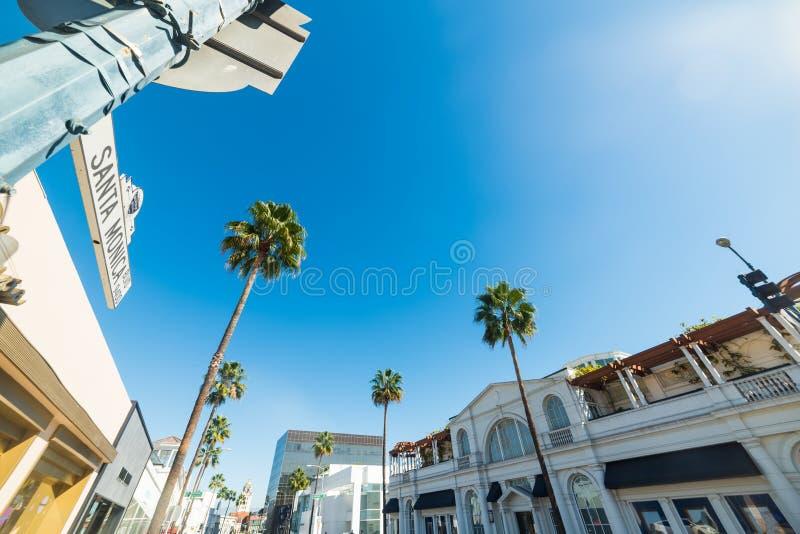 Den Santa Monica boulevarden undertecknar in Beverly Hills arkivbild