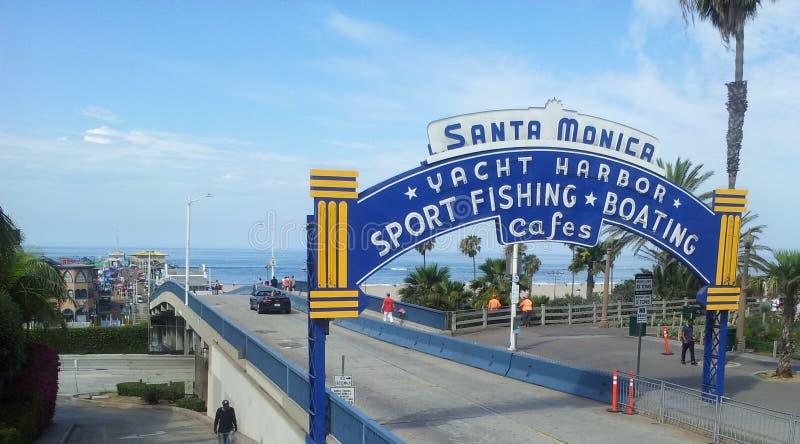Den Santa Monica pir i Kalifornien royaltyfri fotografi