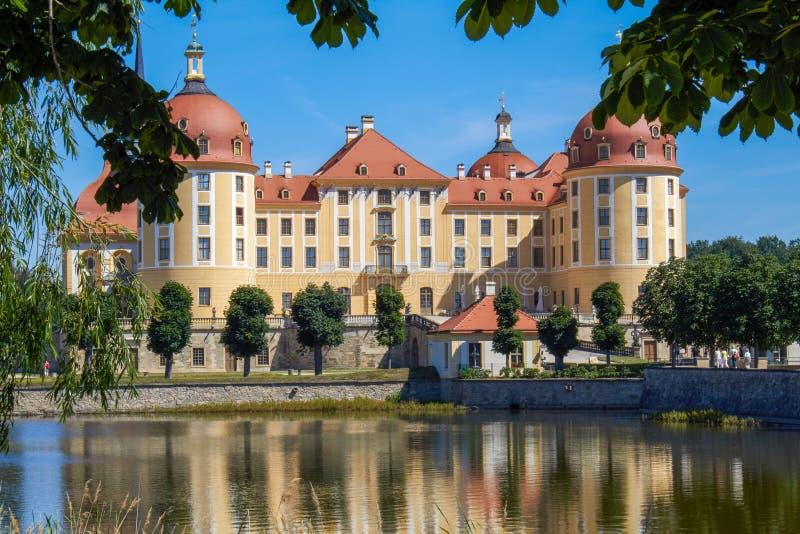 Den saxiska slotten Moritzburg fotografering för bildbyråer