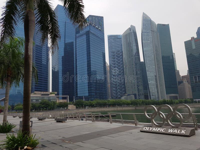 Den Singapore staden och olympic går, Singapore arkivbild