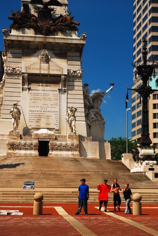 An den Soldaten und am Seemann-Monument in Indianapolis stockbilder