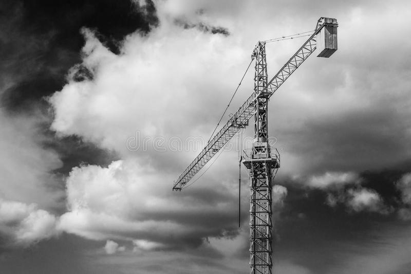 Den stora Crane In The Sky 2 arkivbild
