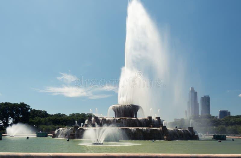 Den stora springbrunnen i millenium parkerar, det Chicago centret arkivbild