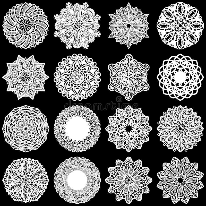 Den stora uppsättningen av designbeståndsdelar, snör åt den pappers- doilyen för rundan, doily för att dekorera kakan, mallen för stock illustrationer