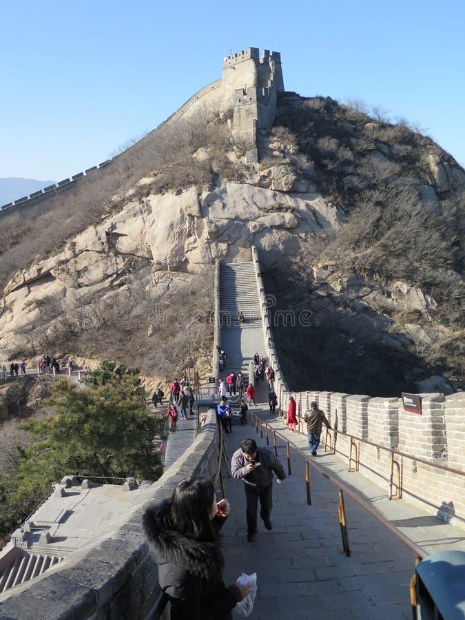 Den stora väggen av Kina elasticiteter upp till himlen arkivfoton
