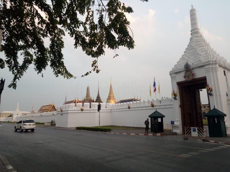 Den storslagna slotten i Thaialnd royaltyfria foton
