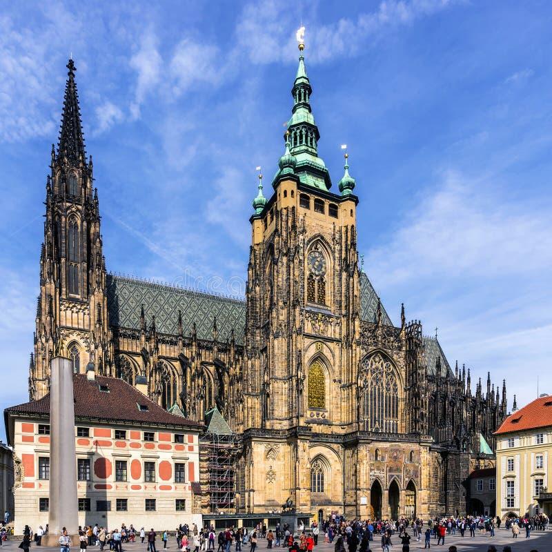 Den storstads- domkyrkan av helgon Vitus, Wenceslaus och Adalbert arkivfoto