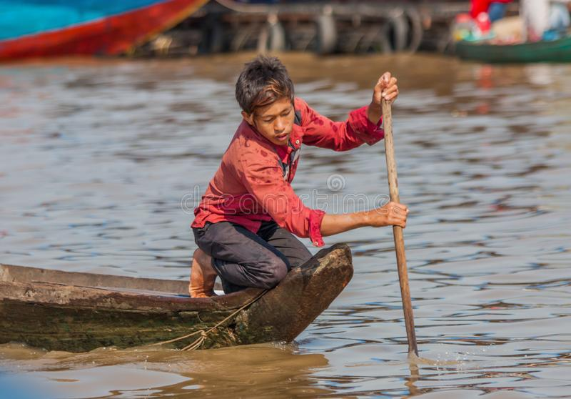 Den sväva byn av Tonle underminerar, Cambodja arkivbild
