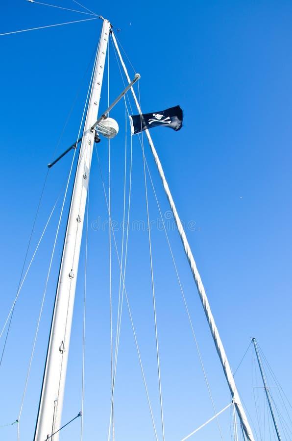 den svarta flaggan piratkopierar arkivfoto