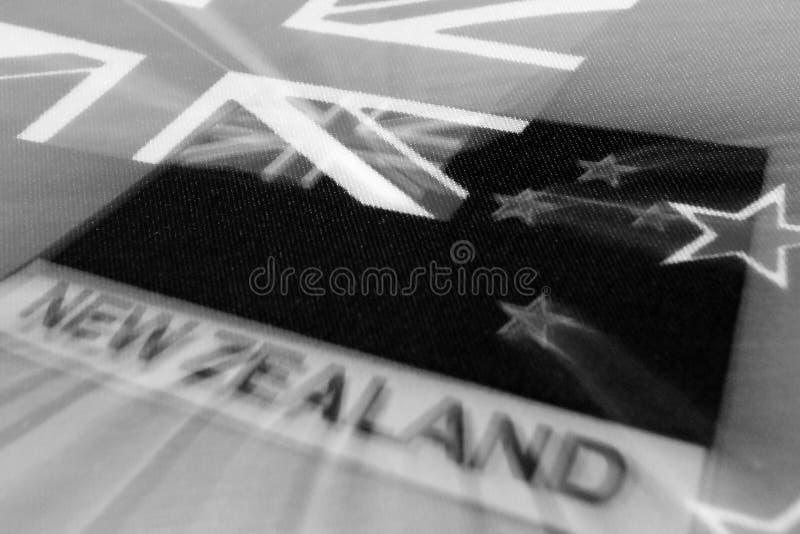 Den svartvita bilden av flaggan av Nya Zeeland symboliserar att sörja fotografering för bildbyråer