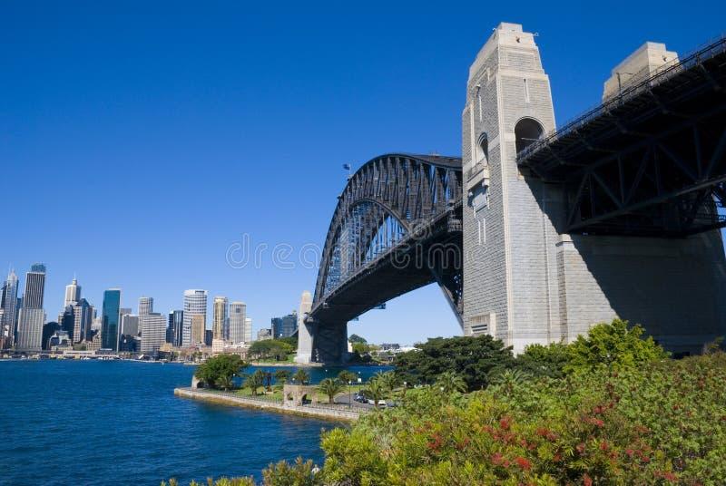 Den Sydney hamnen överbryggar staden arkivfoton