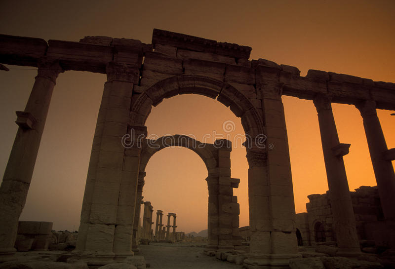 DEN SYRIEN PALMYRAROMAREN FÖRDÄRVAR fotografering för bildbyråer
