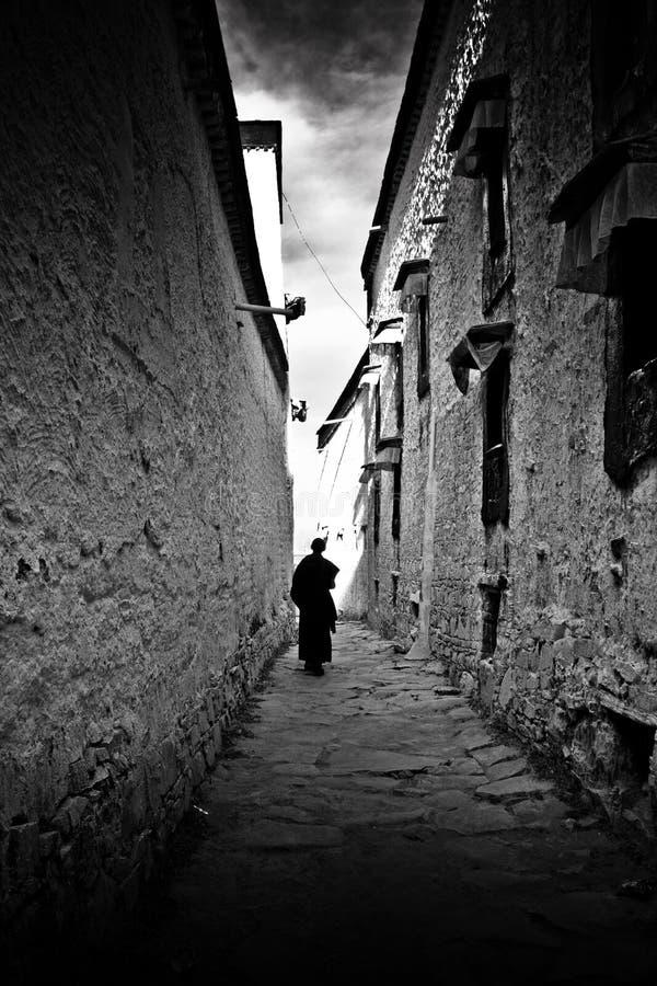 Den Tashilompu kloster går till och med Shigaste Tibet arkivfoto