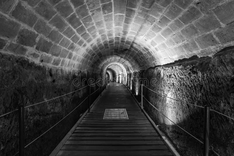 Den Templar tunnelen i den underjordiska gamla staden av Acco Israel arkivfoto