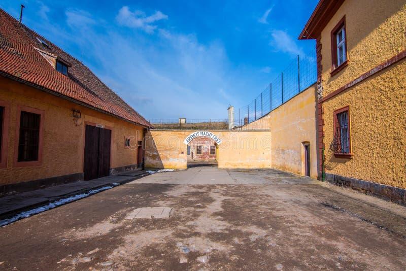 Den Terezin minnesmärken var en medeltida militär fästning som användes som en koncentrationsläger i WWEN arkivfoton