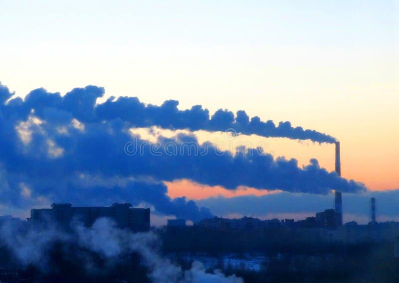 Den termiska kraftverket royaltyfria bilder
