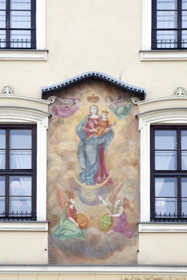 den 15th hyreshusen för familjen för ½ s för århundradeCellarichï ¿ kallade under målningen, den Kamienica fröskidan Obrazem, hot royaltyfri fotografi