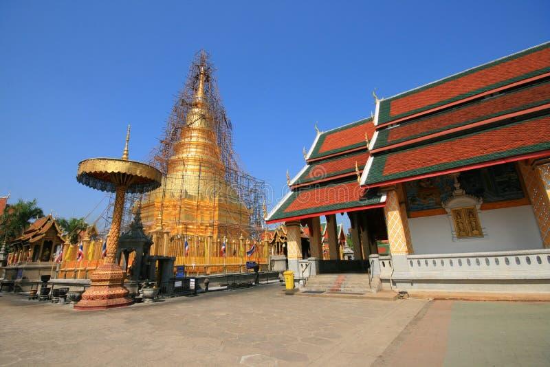 Den Thailand pagoden renoverar arkivfoton