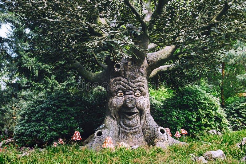 Den themed fantasin parkerar Efteling i Nederländerna royaltyfria bilder