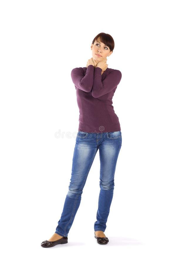 den tillfälliga handhalsen poserar kvinnan arkivbild