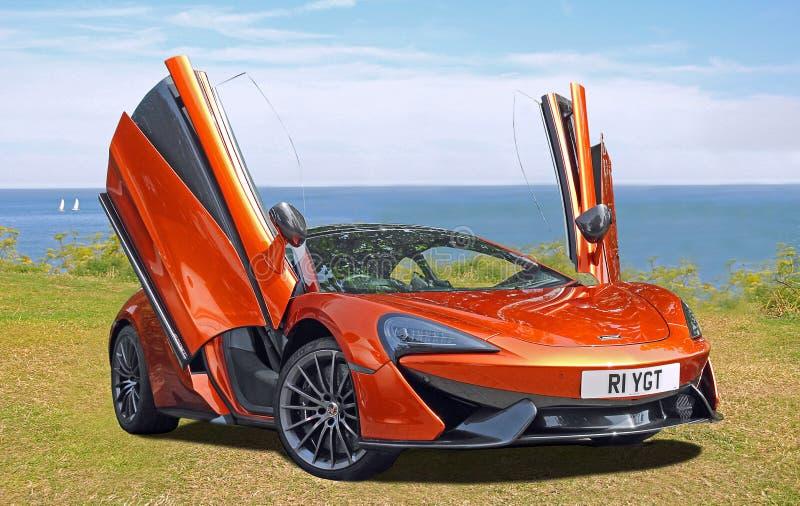 Den toppna sportvägbilen mclaren 570gt royaltyfri fotografi