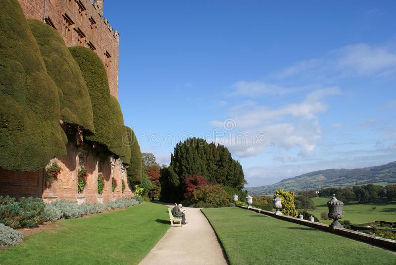 Den trädgårds- banan, Chirk slotten, England royaltyfria foton