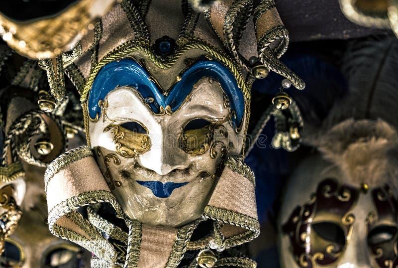 Den traditionella härliga Venetian maskeringen för deltagande i karnevalet royaltyfri fotografi