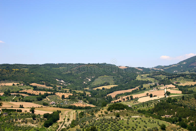 Den traditionella italienare landskap royaltyfri fotografi