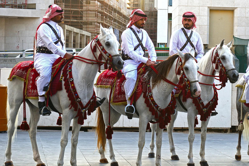Den traditionella polisen, Doha, Qatar arkivbilder