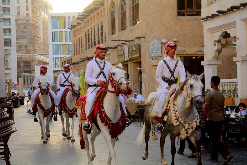 Den traditionella polisen, Doha, Qatar royaltyfria bilder