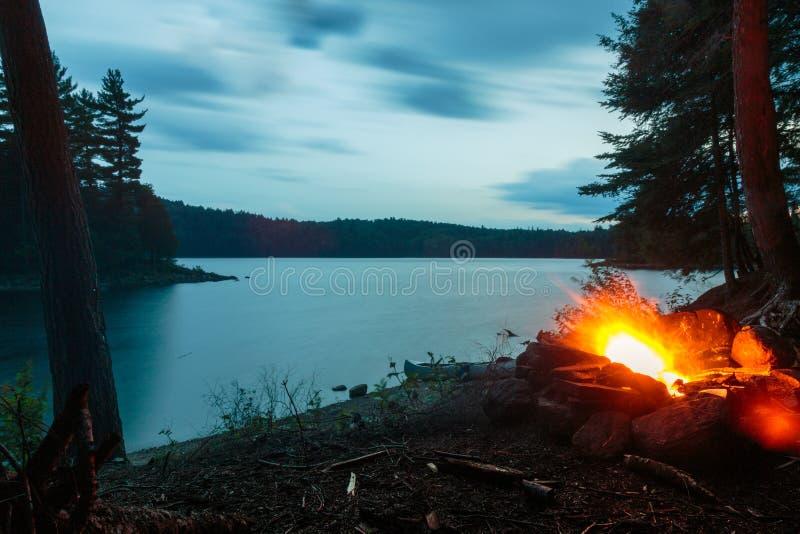 Den trasiga sjön, provinsiell Algonquin parkerar arkivbilder
