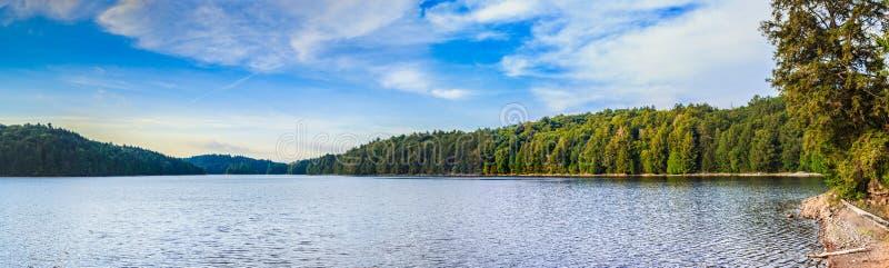 Den trasiga sjön, provinsiell Algonquin parkerar arkivfoto