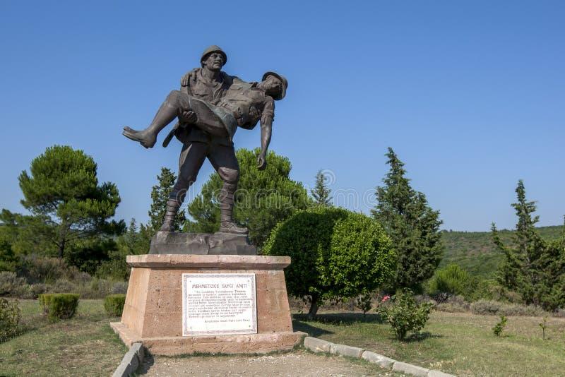 Den turkiska soldaten Mehmetcige Saygi Aniti för statyvisning royaltyfri bild