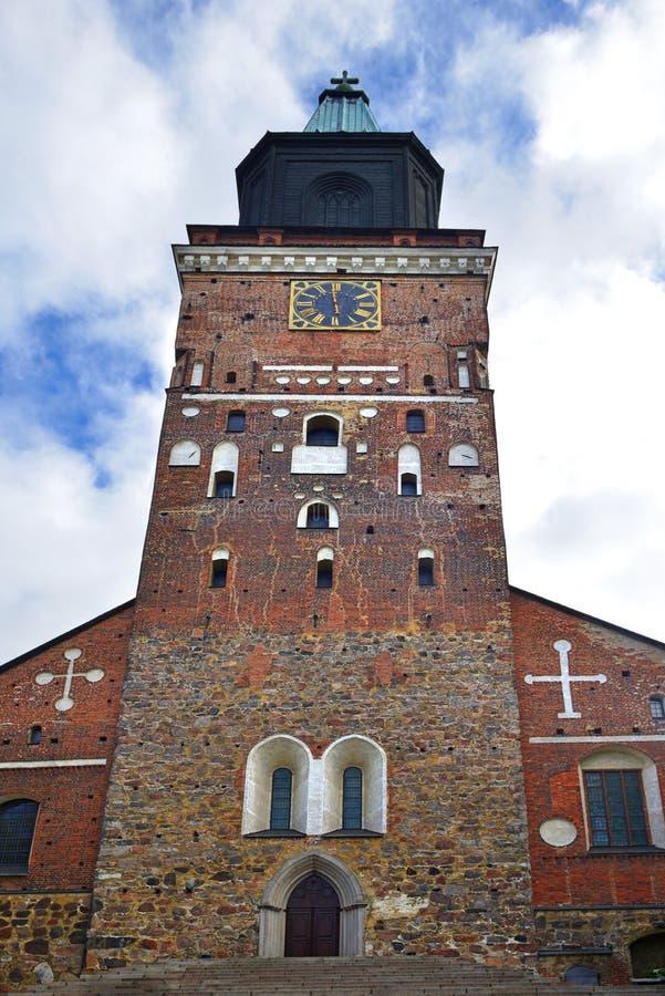 Den Turku domkyrkaTurun tuomiokirkkoen invigdes i 1300 som domkyrkakyrka av välsignade jungfruliga Mary och helgonet Henry, först royaltyfria foton