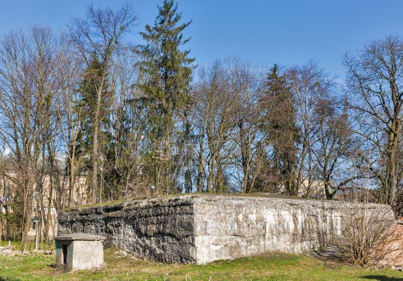 Den tyska nazisten bombarderar skyddet i Rovnoen, Ukraina royaltyfria foton