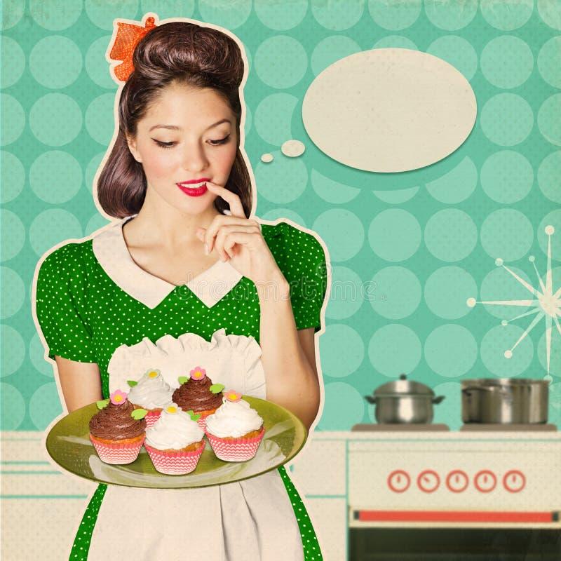 Den unga kvinnan rymmer söta muffin Retro affischbakgrund arkivbilder
