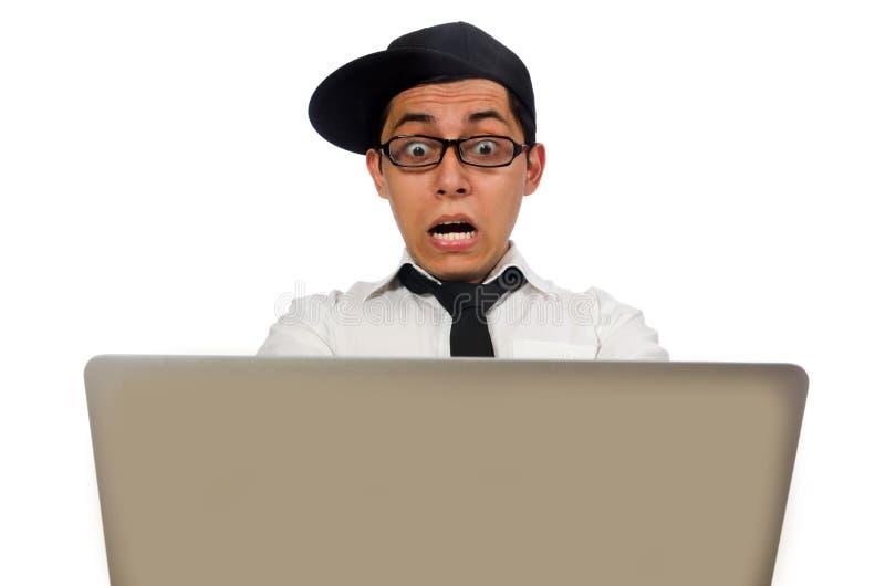 Den unga roliga manliga programmeraren som isoleras på vit arkivbilder