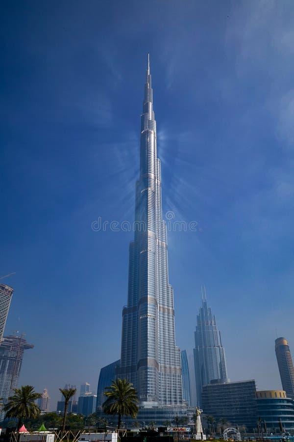 Den väldiga Burjen Khalifa royaltyfria foton