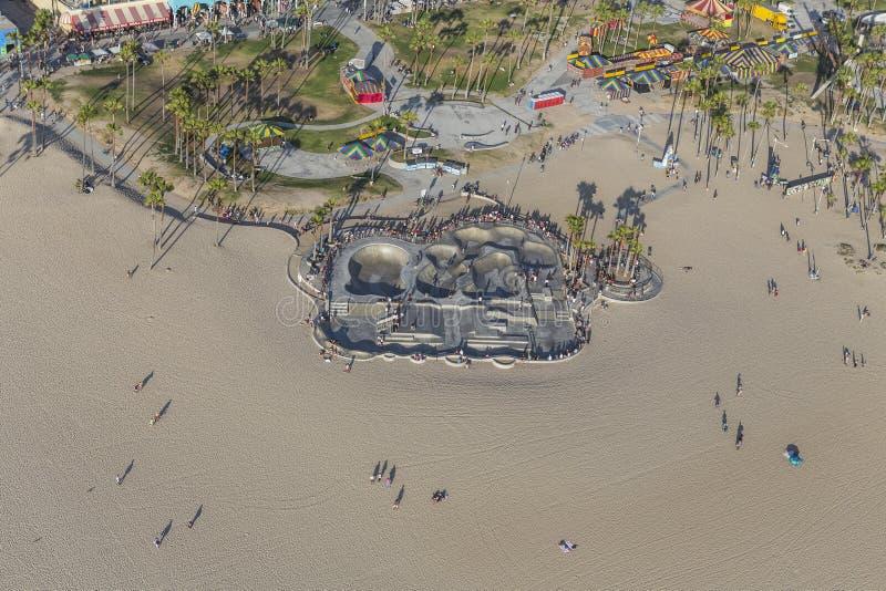 Den Venedig strandskateboarden parkerar i sydliga Kalifornien arkivfoton