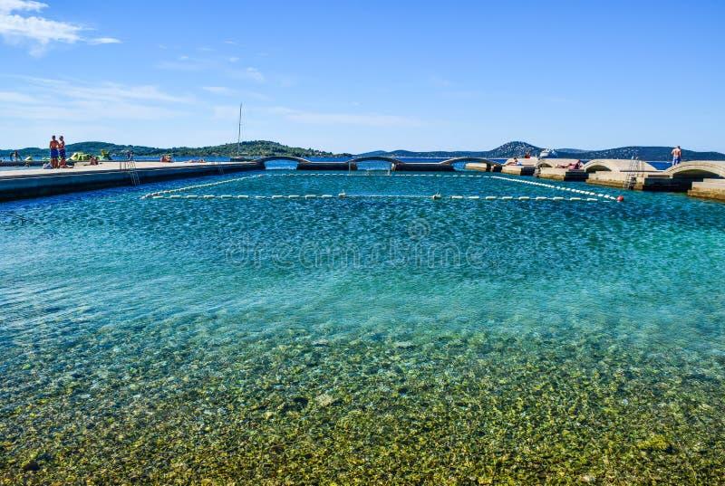 Den Vodice stranden, Kroatien royaltyfri fotografi