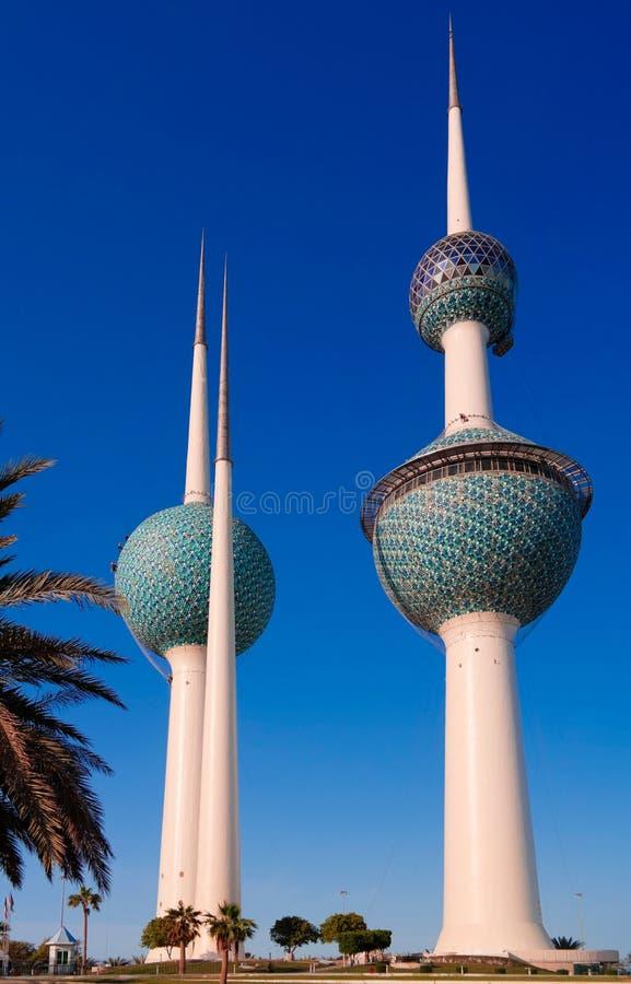 Den yttre sikten till sötvattenbehållaren aka Kuwait står högt, Kuwait fotografering för bildbyråer