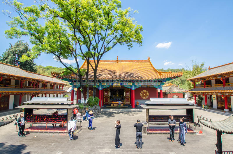 Den Yuantong templet är den mest berömda buddistiska templet i det Kunming, Yunnan landskapet, Kina arkivfoton