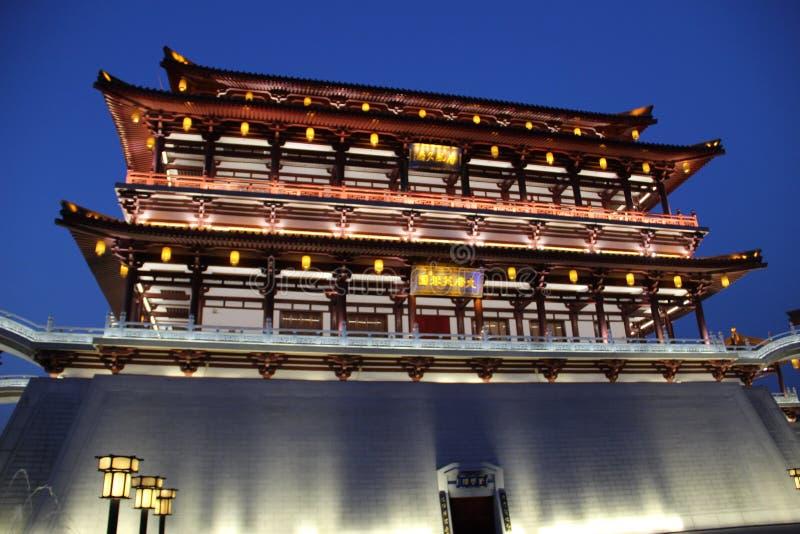 Den Ziyunlou byggnaden i aftonen, xian royaltyfri bild