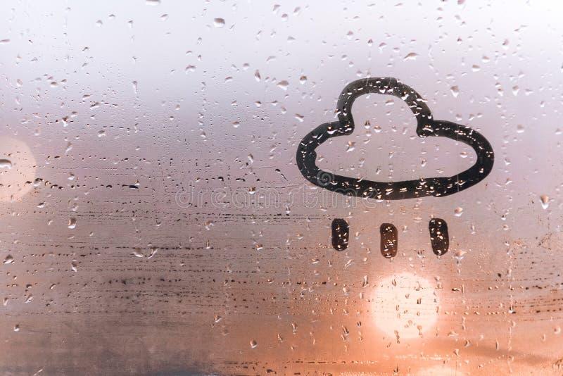 Dendrog bilden av molnet på svettigt exponeringsglas royaltyfri bild