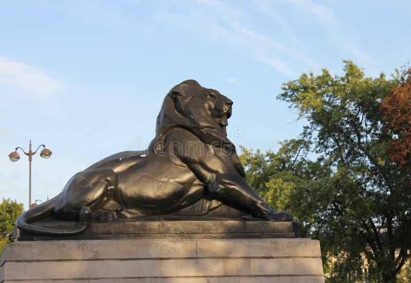 Denfert-Rochereau, leão fotografia de stock