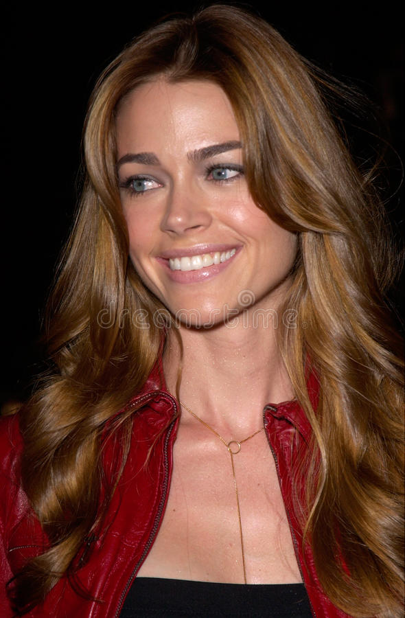 Denise Richards. Actress DENISE RICHARDS at the world premiere of Charlie's Angels, at the Mann's Chinese Theatre in Hollywood. 22OCT2000. Paul Smith / stock photo