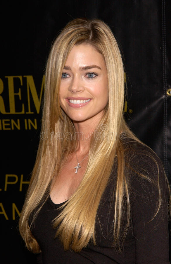Denise Richards. Actress DENISE RICHARDS at Premiere Magazine's Women in Hollywood luncheon at the Four Seasons Hotel, Beverly Hills. 22OCT2001. Paul Smith/ stock photos