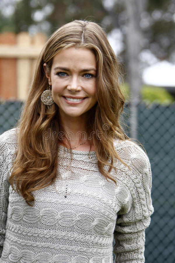 Denise Richards, Elizabeth Glaser fotos de stock royalty free