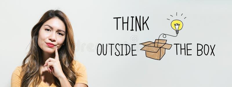 Denk buiten de Doos met jonge vrouw vector illustratie