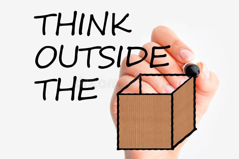 Denk buiten de doos of verschillend als u succes in zaken wilt hebben stock foto